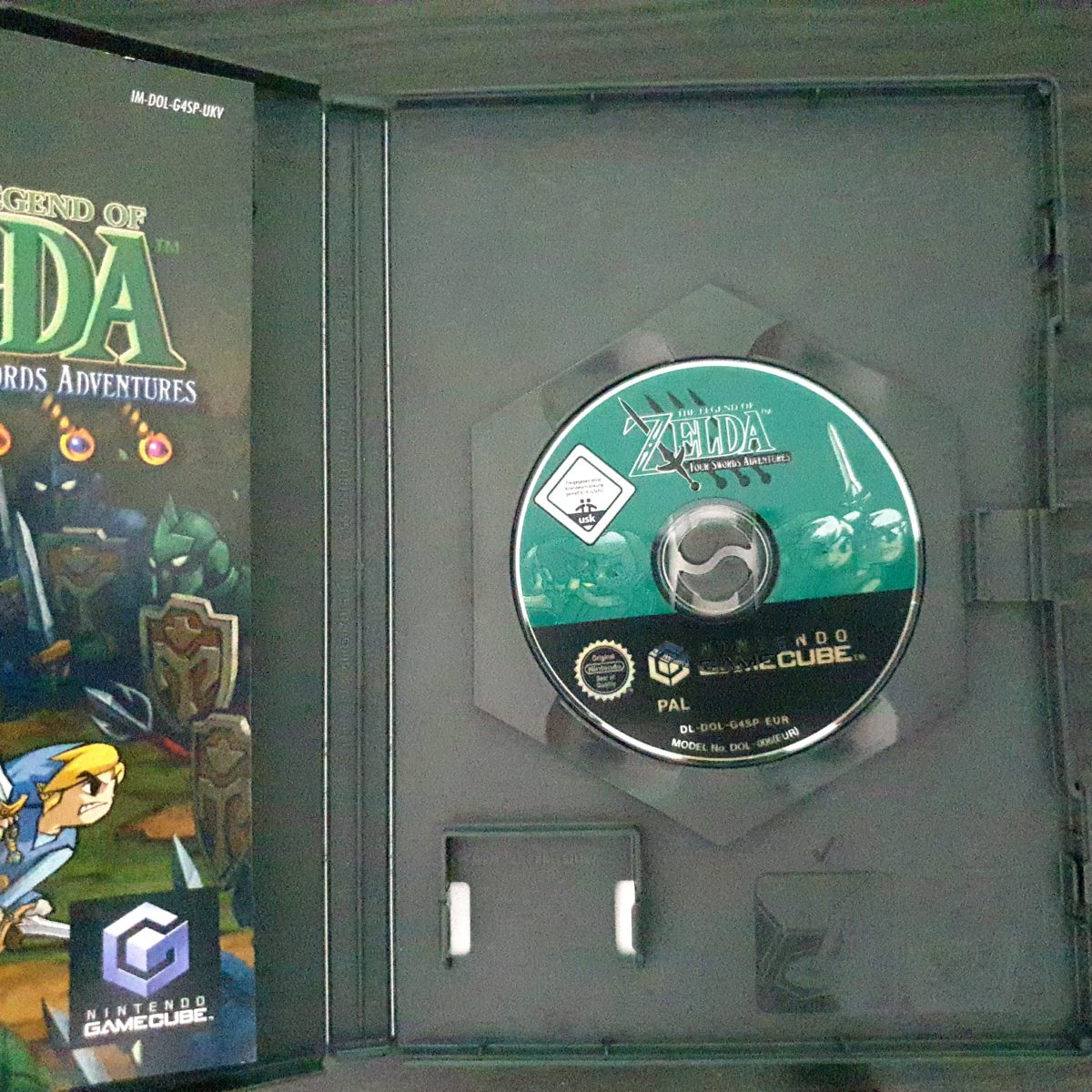 The Legend of Zelda Four Swords Adventures UK (1)