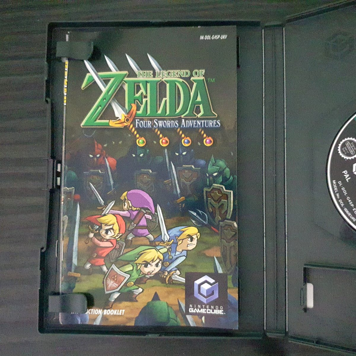 The Legend of Zelda Four Swords Adventures UK (2)