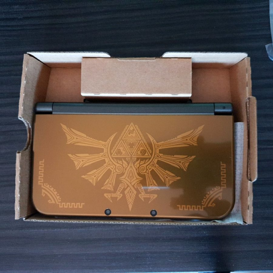 New Nintendo 3DS XL Hyrule Edition (5)